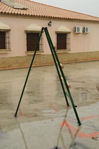 Construccion de puertas de hierro rejas balcones for Construccion de escaleras de hierro